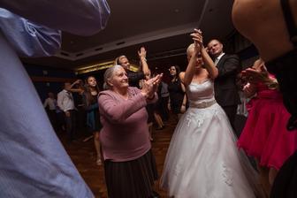 Ludia sa bavili aj moja 76 ročná babka :-)