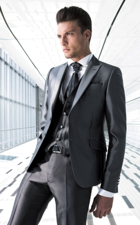 Kde nájdem takýto oblek na svadbu - šedý 3241d071605