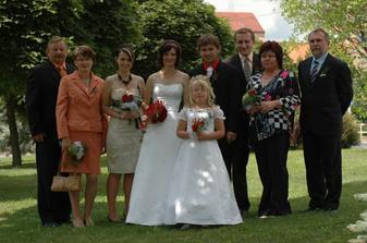 s rodiči, svědky a družičkou