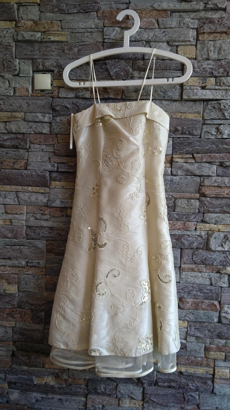 Zlaté šaty s flitrami po kolená - Obrázok č. 2