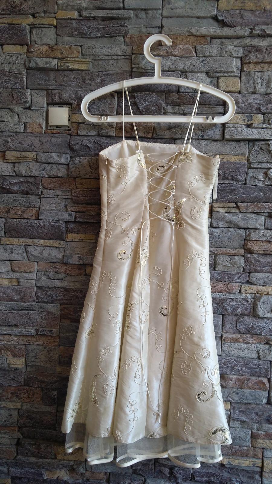 Zlaté šaty s flitrami po kolená - Obrázok č. 3