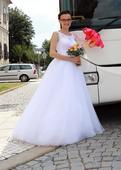 Tylové svatební šaty, 36