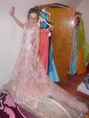 šaty ručně zdobené krajkou zn Pronovias, 38