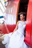 Nádherné a originálne svadobné šaty, 36