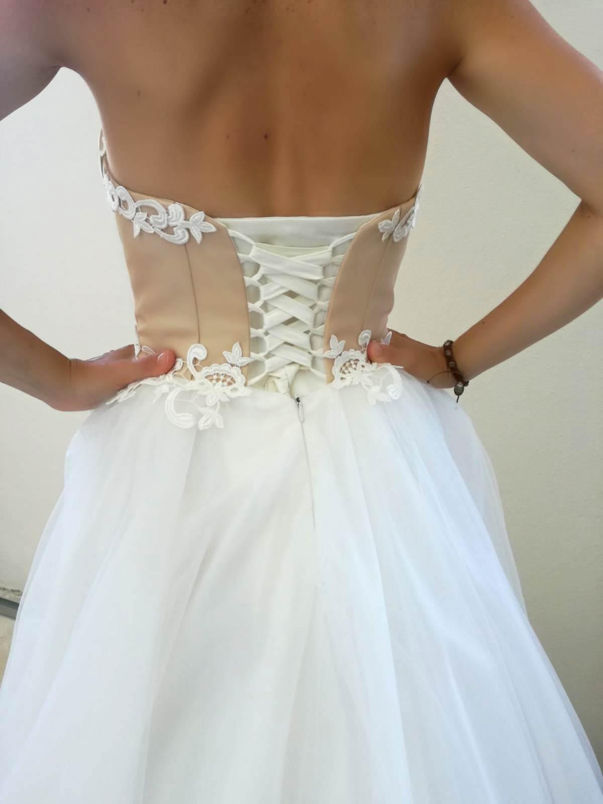 šaty z Irian Sam - Obrázok č. 3