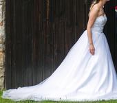 Bílé svatební korzetové šaty, 36