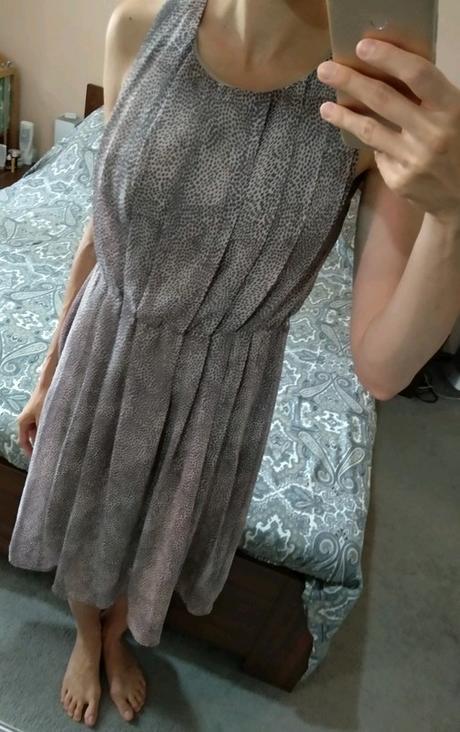 Zajímavé šaty - Obrázek č. 4