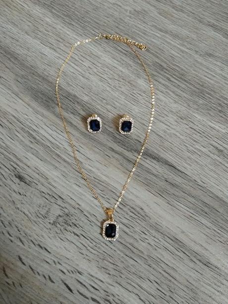 Set náhrdelníku a náušnic - Obrázek č. 1