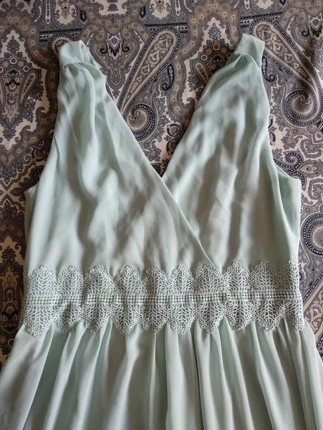 Dlouhé mint šaty - Obrázek č. 2