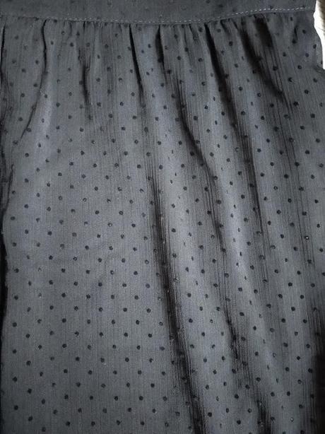 Černé puntíkované šaty. - Obrázek č. 3