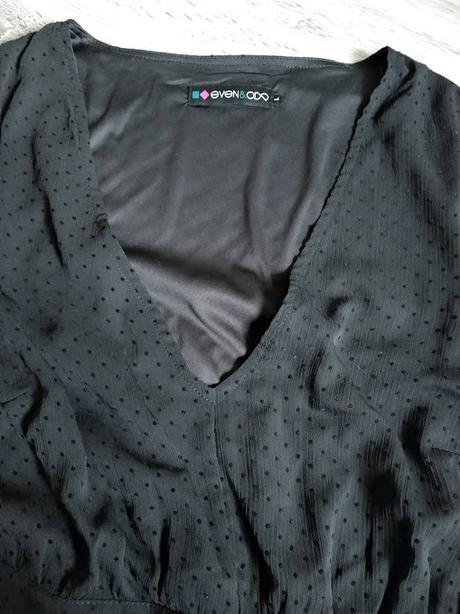 Černé puntíkované šaty. - Obrázek č. 4
