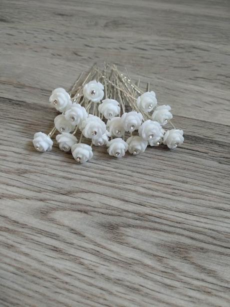 Bílé kytičky do vlasů - 20 ks - Obrázek č. 1