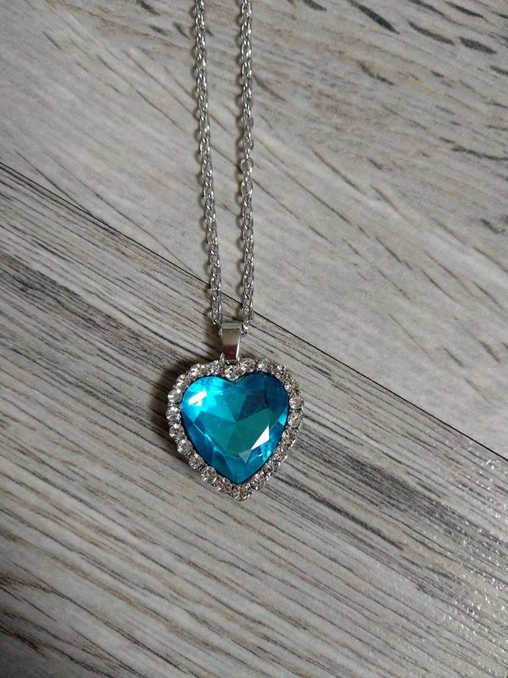 Set náušnic s náhrdelníkem - srdce. - Obrázek č. 4