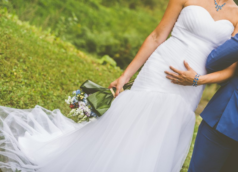 Svatební šaty, vhodné i pro těhotné - Obrázek č. 2