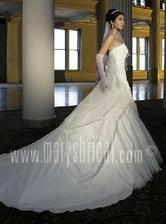 vice informaci na http://www.marysbridal.com/bridal/8629.htm