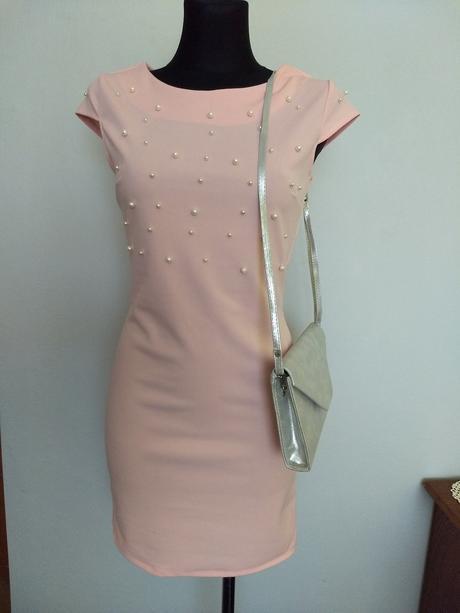 Šaty  s perličkami - Obrázok č. 1