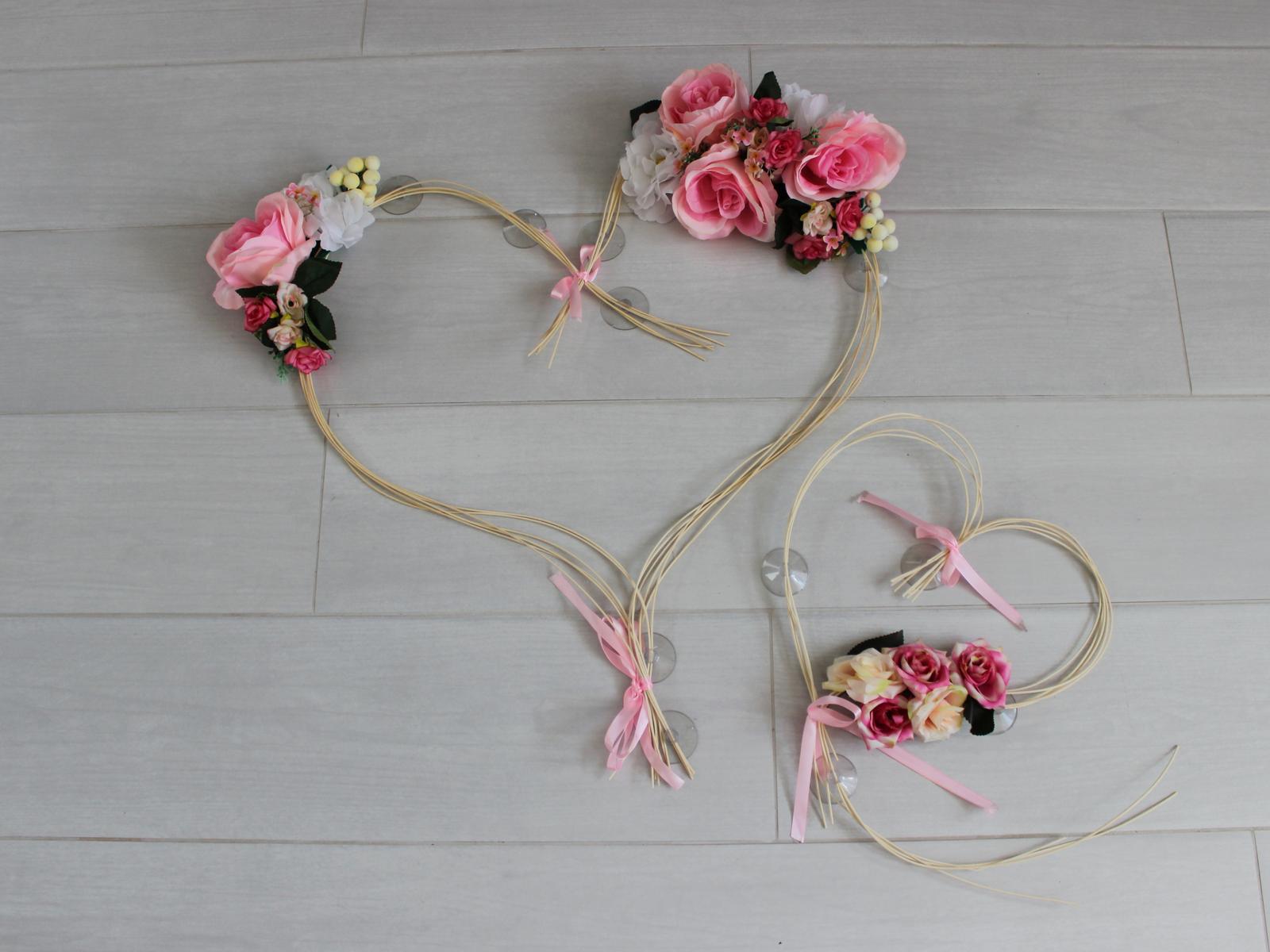 Ružová výzdoba na auto - dve srdcia - Obrázok č. 1