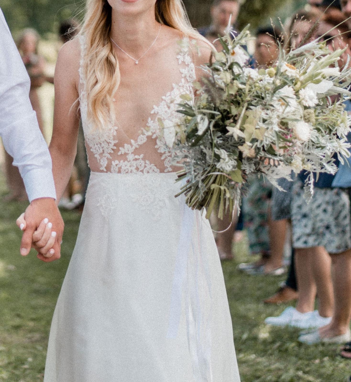 Svatební šaty od Petry Brzkové - Obrázek č. 1