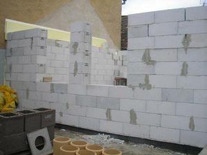 začiatok stavby...