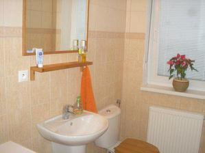 kúpeľňa +záchod na prízemí