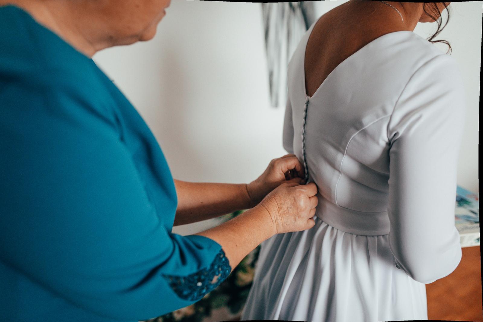 Krásne svadobne šaty - Obrázok č. 4