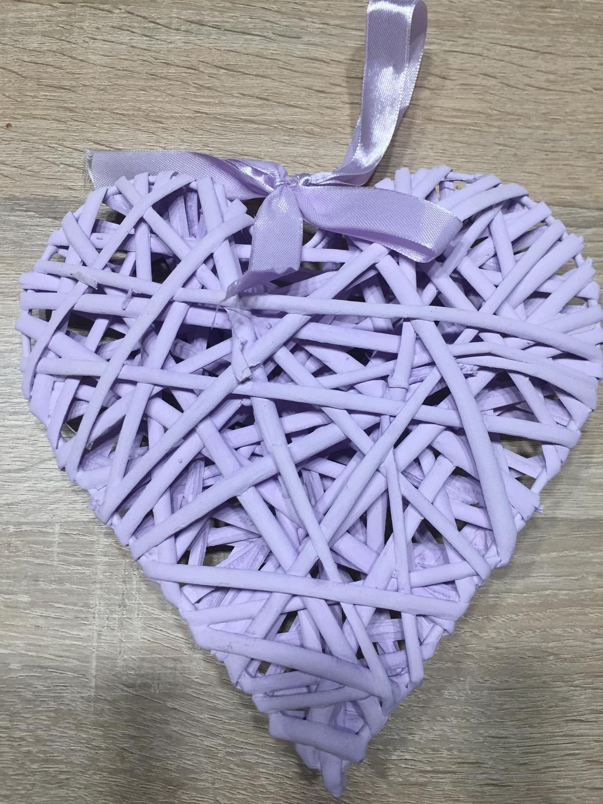 Proutěná lila dekorace 20 cm - Obrázek č. 1