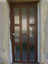 naše krásné vchodové dveře