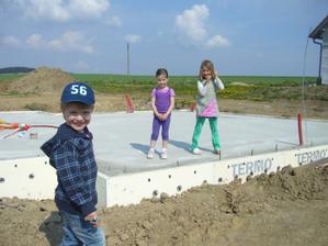 Filí a jeho budoucí sousedky :o)))