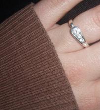 Zásnubní prstýnek :)))