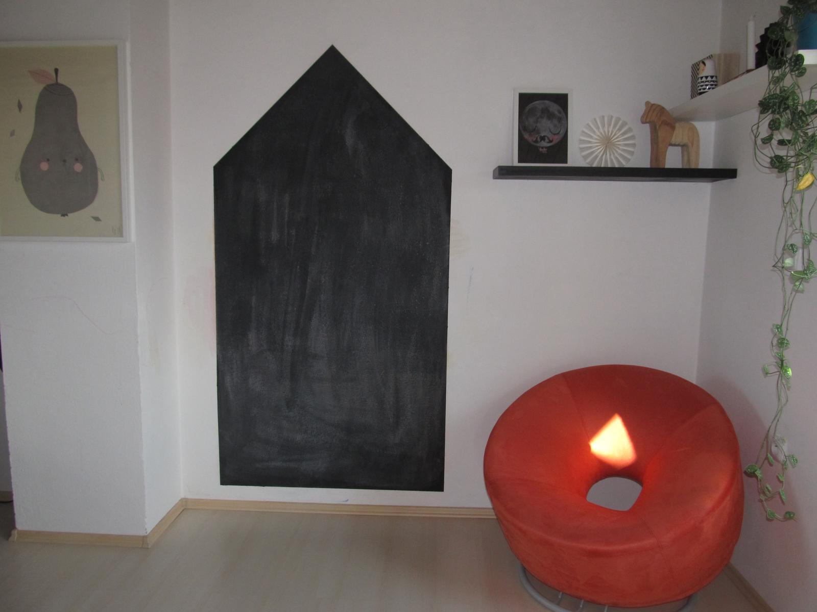 Naše bydlení - Vznikl nám koutek třeba na čtení knížek :-)