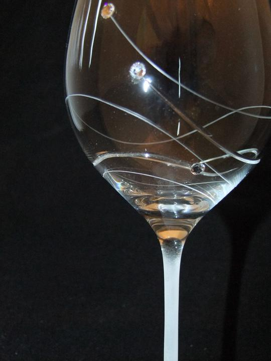 Svadobné centrum Valentíny - meno dátum ZDARMA na pohároch swarovské kamienky