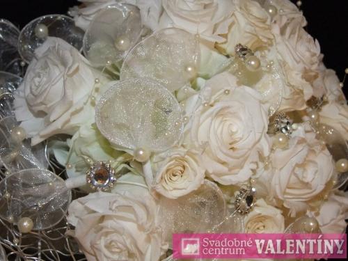 Svadobný salón - Svadobné Centrum Valentíny - živé kvety ,ktoré vydržia a nezvädnú