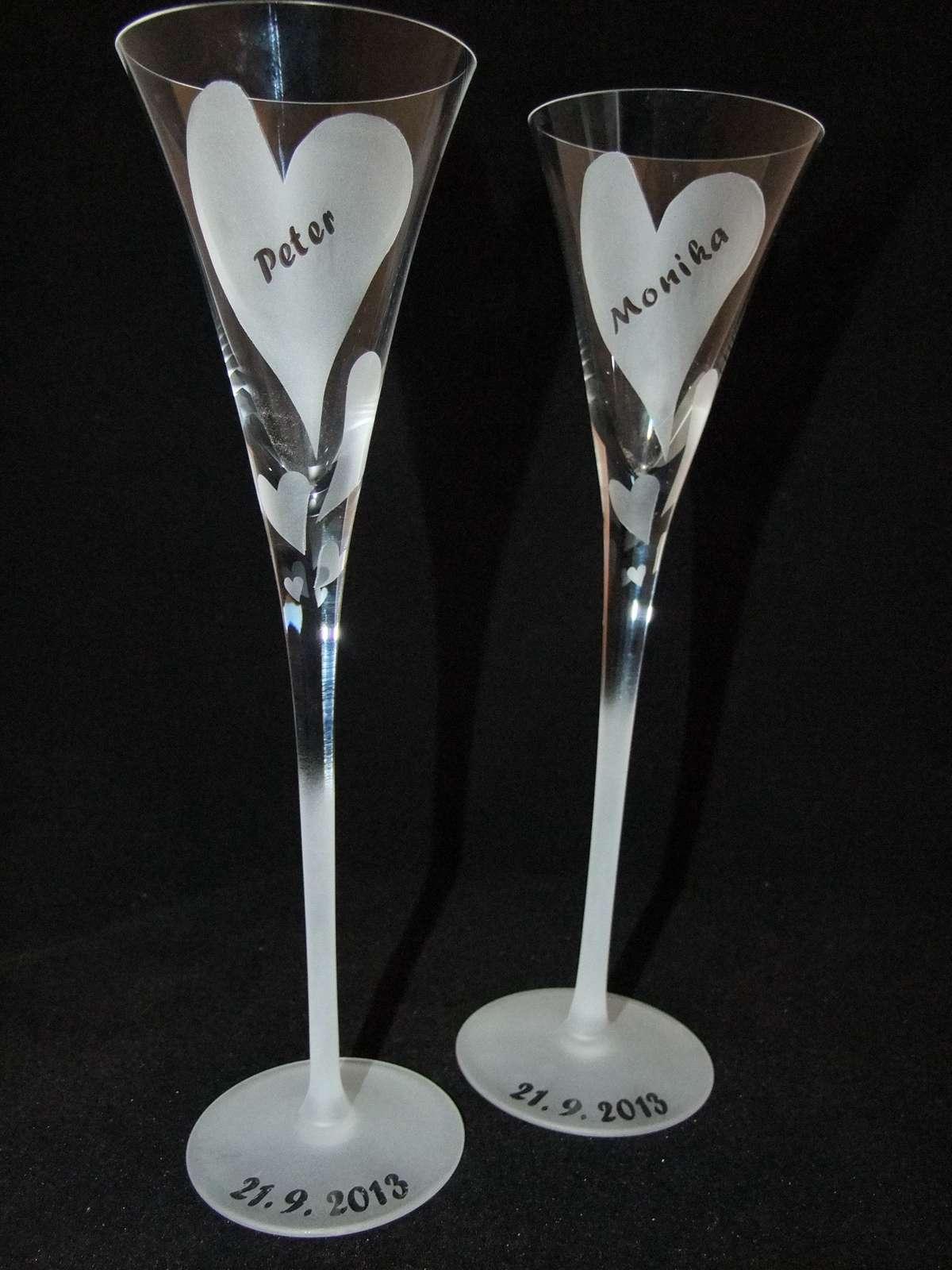 Ručne vyrobené svadobné poháre Meno zdarma - Obrázok č. 1