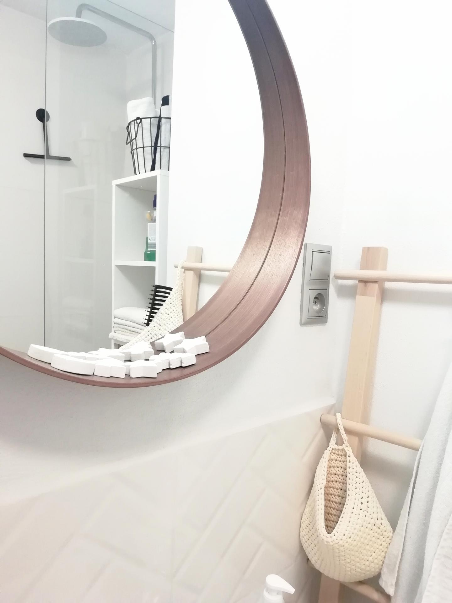 Prerábka kúpeľne, wc a chodby v byte - ..vianočne aj v kúpeľni...