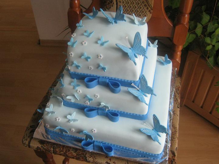 Svatební dorty pro inspiraci - takový chceme ale vínová dekorace