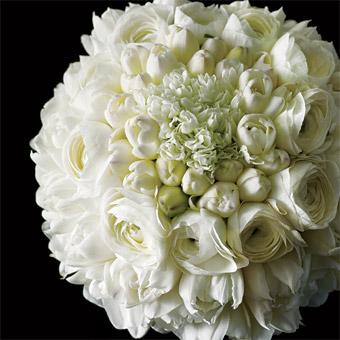 Svatební kytice - pryskyřník, tulipány a bouwardie