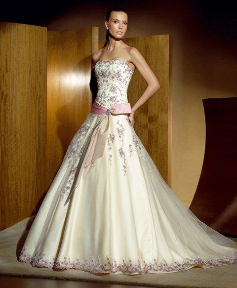 Krááásne červeno-biele šaty - Obrázok č. 33