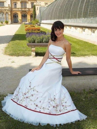 Svatební šaty - růžové i červené až do bordó - Obrázek č. 44
