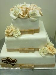 Svadobne torty, zakusky - Obrázok č. 51