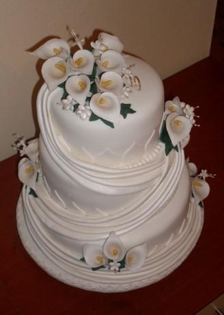 Svadobne torty, zakusky - Obrázok č. 74