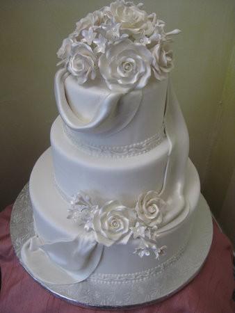Svadobne torty, zakusky - Obrázok č. 77