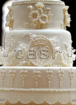 Svadobne torty, zakusky - Obrázok č. 13