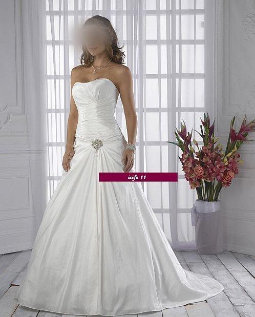 Svadobné šaty a oblek - Obrázok č. 31