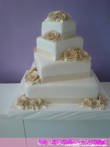Svadobne torty, zakusky - Obrázok č. 37