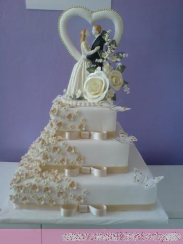 Svadobne torty, zakusky - Obrázok č. 46