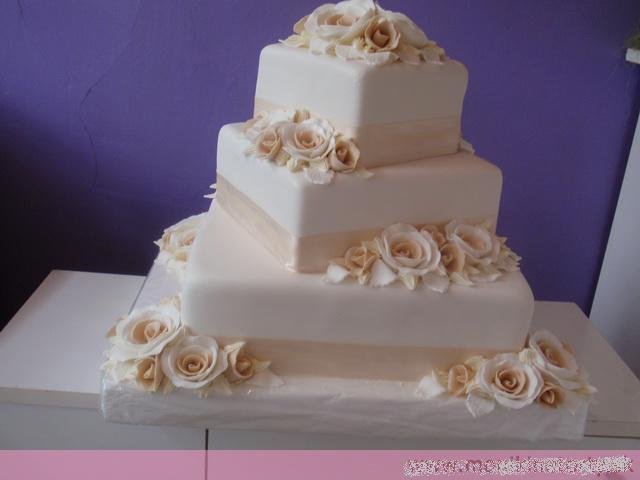 Svadobne torty, zakusky - Obrázok č. 42