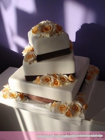 Svadobne torty, zakusky - Obrázok č. 47