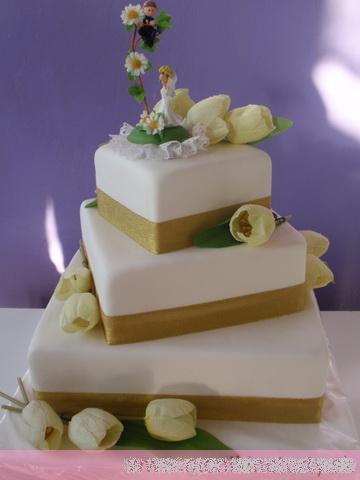 Svadobne torty, zakusky - Obrázok č. 50