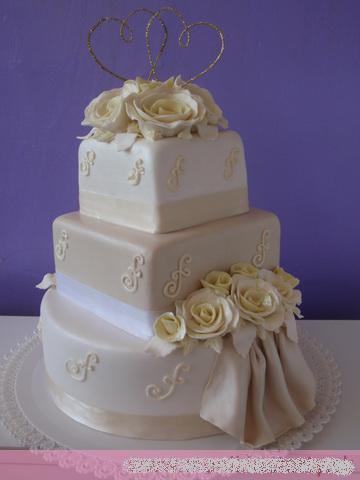Svadobne torty, zakusky - Obrázok č. 60