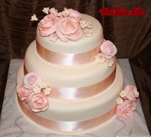 Svadobne torty, zakusky - Obrázok č. 70